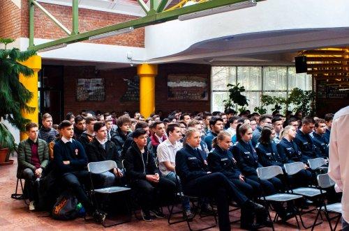 Iskolai megemlékezés a márciusi hősökről - Tisztelet a bátraknak